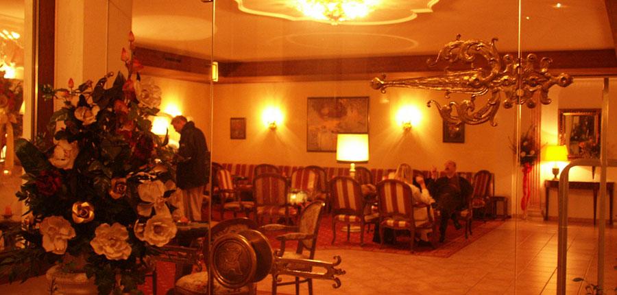 Austria_Zell-am-see_Hotel_Berner_lounge.jpg
